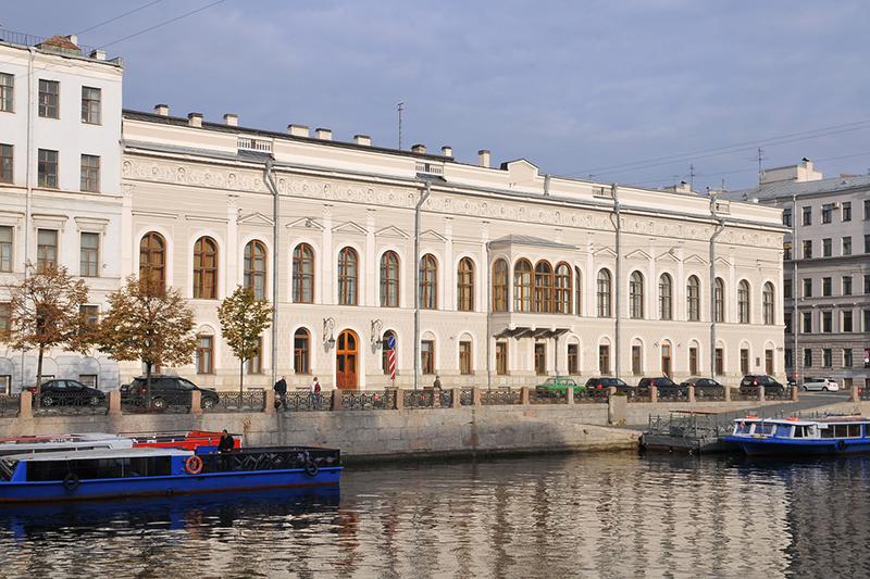 Обложка Шуваловский дворец
